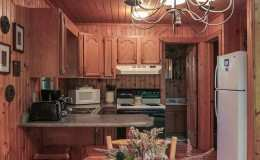 elk-cabin-kitchen